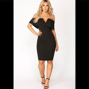 NWT- Sexy off the shoulder midi